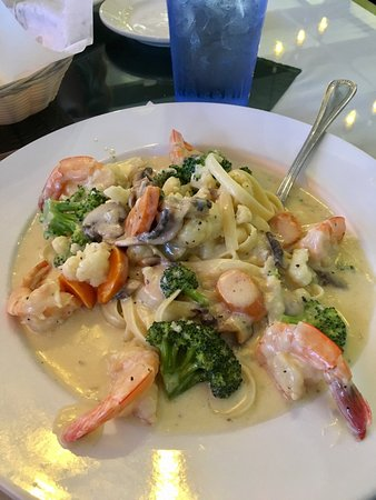 Decatur, Αλαμπάμα: Shrimp Primavera in light alfredo sauce.