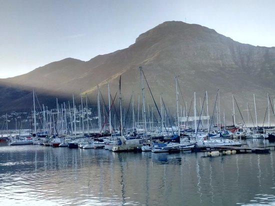 Ciudad del Cabo, Sudáfrica: Hout Bay (departing point for cruises to Seal Island)