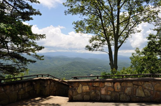 Townsend, TN: Foothills Parkway Overlook
