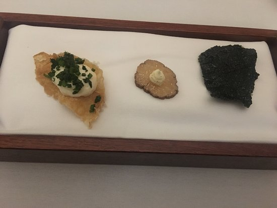 Adelaide Hills, Australia: Wedding anniversary dinner at this place was amazing. This is the 7 course degistation dinner we