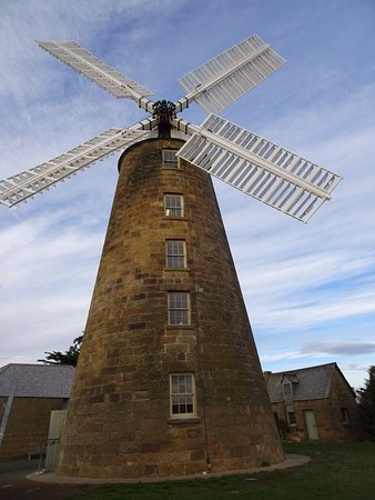 Oatlands, Avustralya: Beautifully restored Wind mill