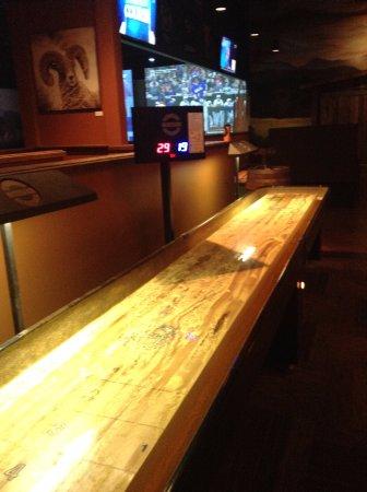 Longmont, CO: Looks like Official size shuffleboard, Nice!