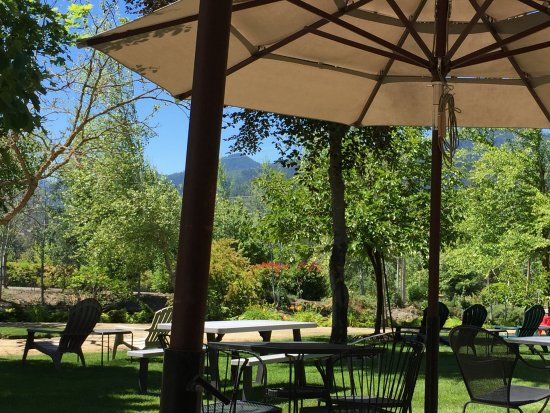 Grants Pass, OR: The outdoor patio offers a unique ambiance for a wine tasting experience.