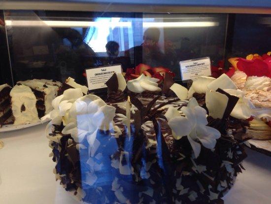 Extraordinary Desserts: photo3.jpg