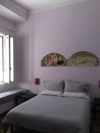 Carlo Alberto House Bed and Breakfast : Triple room with bathroom.Hight Floor , Quiet room.