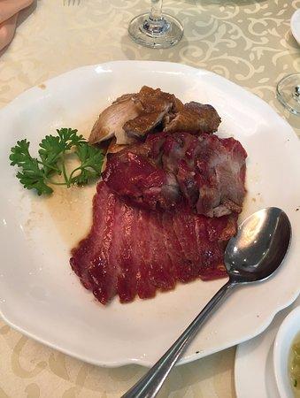 Red Star Seafood Restaurant : bbq pork & chicken