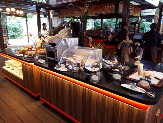 Singapore Zoo The Buffet Breakfast Was Outstanding