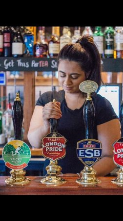 Cranford, UK: Friendly Staff and a choice of Ales