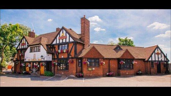 Cranford, UK: Pub Frontage