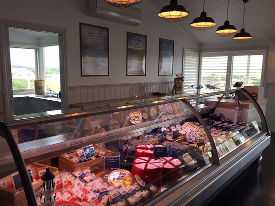 King Island, Avustralya: Our full range of  cheese available for purchase.