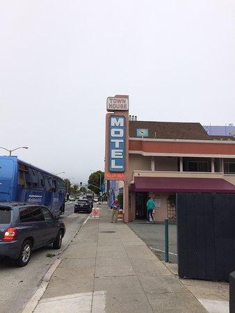 Town House Motel: photo1.jpg