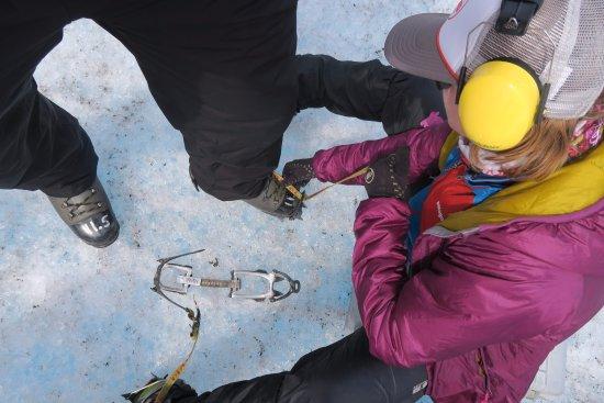 NorthStar Trekking: Poniéndonos los crampones