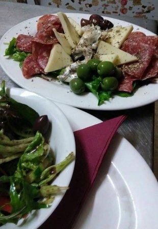 Bondi, Australia: Amazing Sicilian Olives