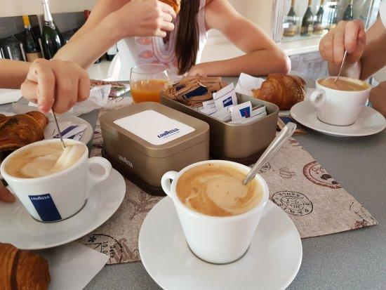 Le Cafe Prestige