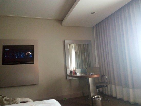 Holiday Inn Johannesburg-Rosebank: TA_IMG_20170625_102053_large.jpg