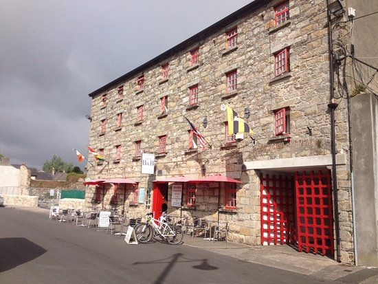 Graiguenamanagh, Ireland: Bike hire - great cycle path here!