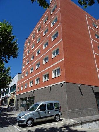 H2 Rubi: Hôtel et parking