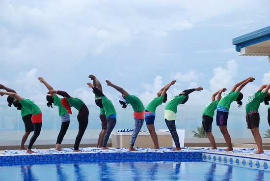 Thulusdhoo Island: Happy International Yoga Day!