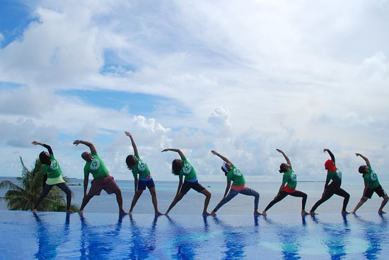 Thulusdhoo Island: Yoga retreat on the rooftop of the Hotel