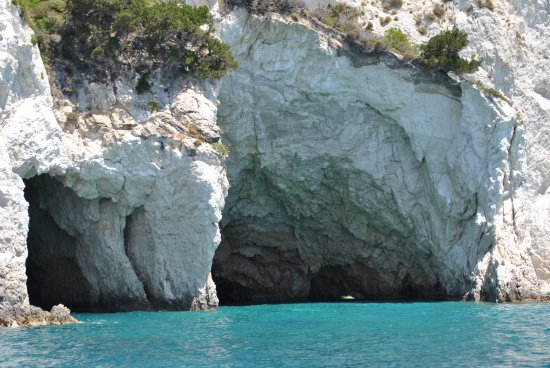 Limni Keri, Greece: vue des caves