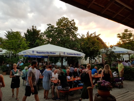 Aichach, Allemagne : TA_IMG_20170624_205849_large.jpg