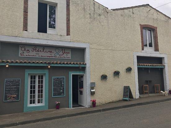 Puivert, Frankrijk: Épicerie café traiteur dépôt de pain
