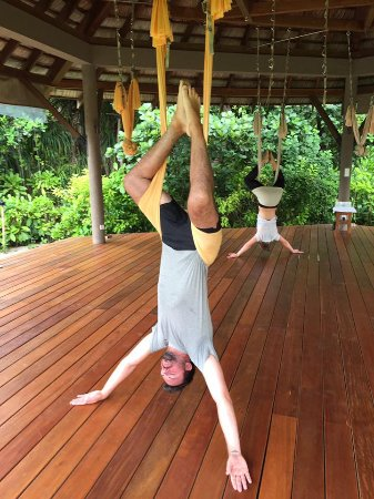 Four Seasons Resort Maldives at Landaa Giraavaru: Anti-Gravity Yoga