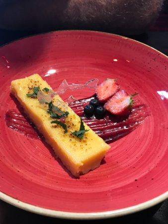 Quedgeley, UK: passionfruit tart