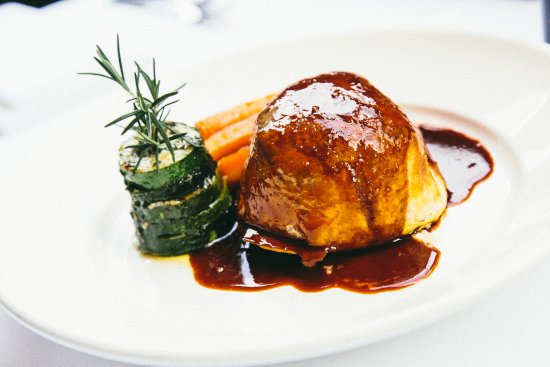 Hope Island, Australia: Daily Specials - Beef Wellington