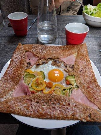 Restaurant le petit crepier dans saint malo avec cuisine - Cours de cuisine saint malo ...