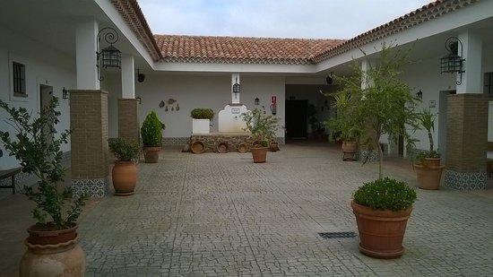 Jerez de los Caballeros, Hiszpania: Patio distribuidor de las habitaciones