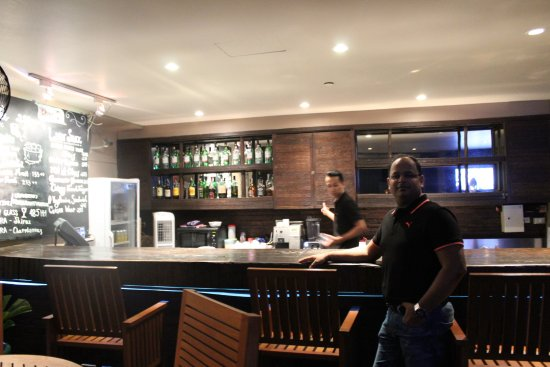 Mayfair, Bangkok - Marriott Executive Apartments: Rooftop bar