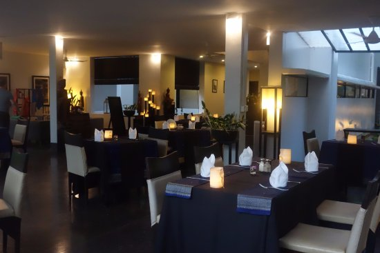 Sojourn Boutique Villas: dining area
