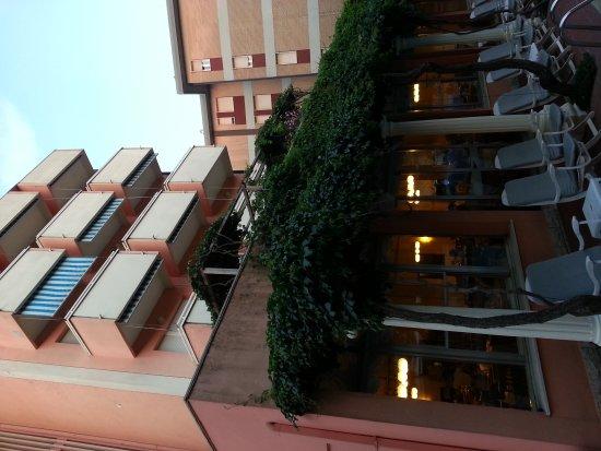 Meeting Hotel: 20170624_204334_large.jpg