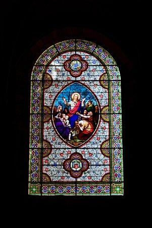 Détail vitrail Église Saint-Pierre, Carennac