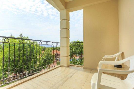 Milkyway Apart & Hotels: Deluxe Hotel Room Balcony