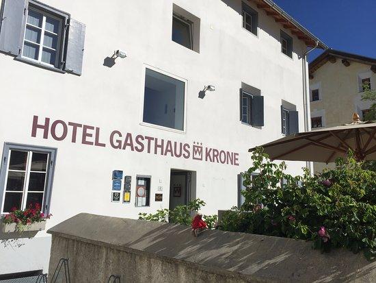 Hotel Gasthaus Krone : Aussenansicht Krone, La Punt