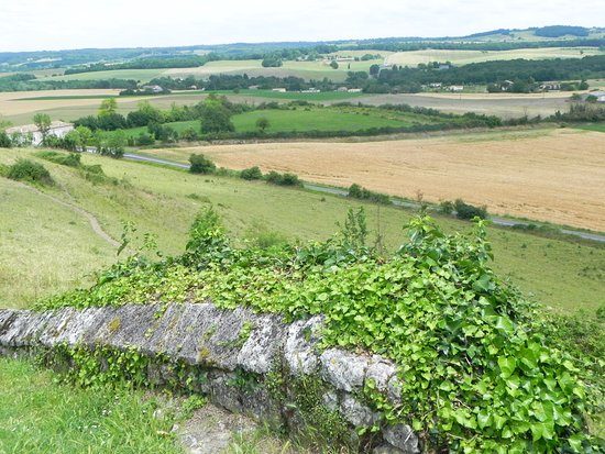Villebois-Lavalette, Frankreich: View from perimeter walk
