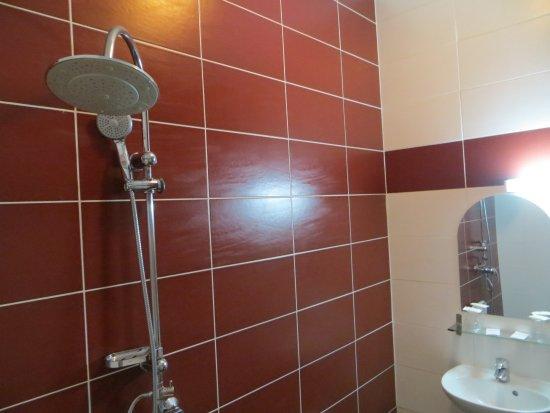 Royal Wagram: La douche