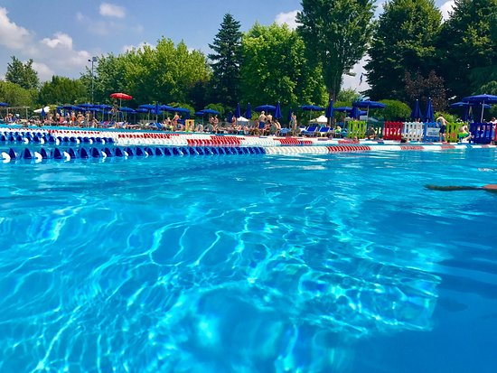 Asti lido 2000 piscine italy updated 2018 top tips for Aqua 2000 piscine