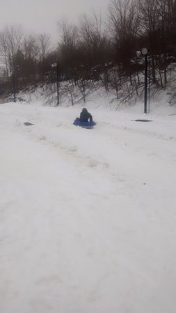 Beech Mountain, NC: A snow tuber