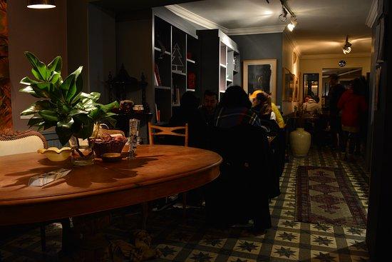 No:19 Dining: inside