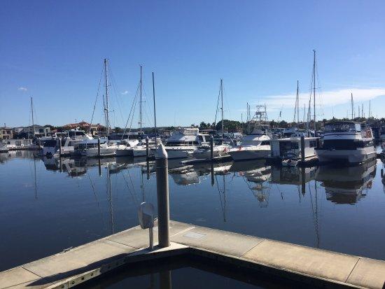 เกาะโฮป, ออสเตรเลีย: Hope Island Marina view