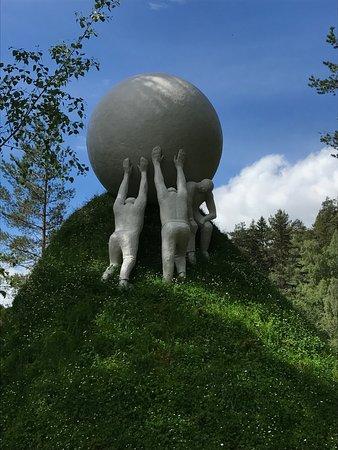 Jevnaker, Norveç: Kistefosmuseet har mange fantastiske skulpturer