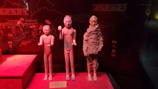 Xianyang, Cina: The making of the statues