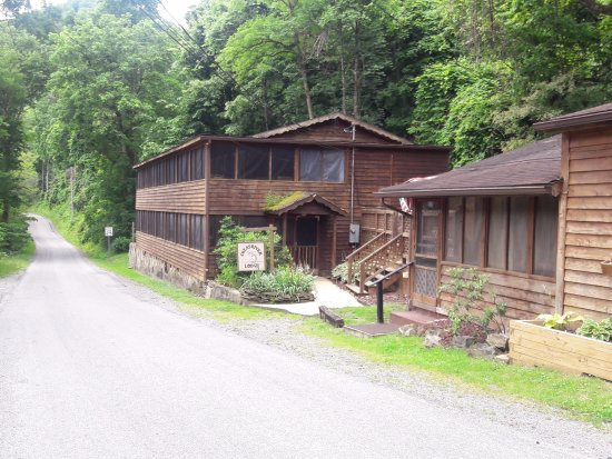 Cheat River Lodge & Cabins - Elkins-Randolph County Tourism