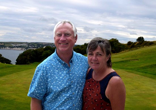Seaton, UK: We welcome visitors, walkers and locals to our course and club. Simon and Jill Wellington