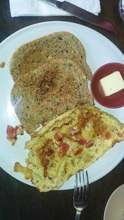 Padangbai, Indonesia: Heerlijk brood, lekker ontbijt.
