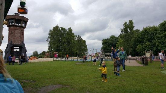 Naarden, Nederland: trampolines within sight of the restaurant