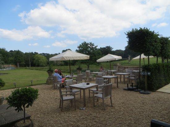 Burley, UK: Take the coffee outside!